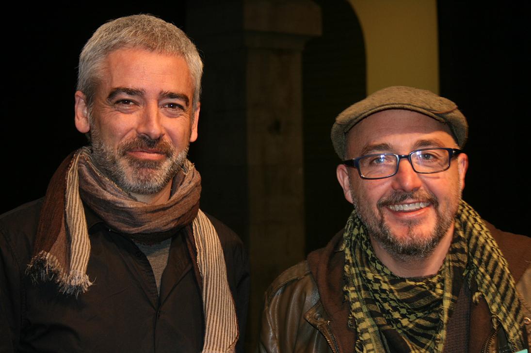 """Jokin Oregui, director y dramaturgo de la obra premiada (""""amour""""), acompañado de Maxi Rodríguez, en la entrega de los premios"""